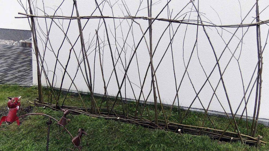 Fertiger Weiden-Zaun